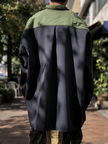 【banal chic bizarre】Wide shirt